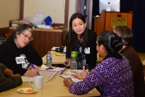 Dr. Thuy Nguyen talks with participants of the workshop