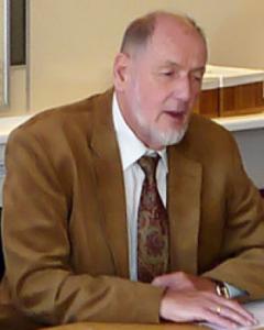 Bengt Lindqvist seated